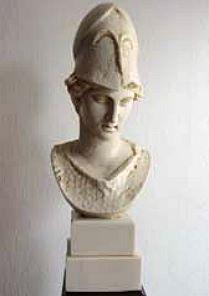 »Pallas Athenae«, eine Reproduktion einer römischen Figur aus Kunstmarmor